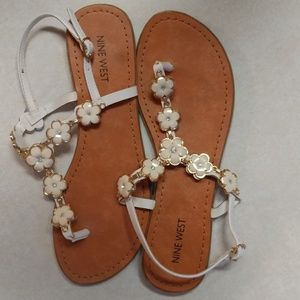 Nine West white flower gem sandals 8.5